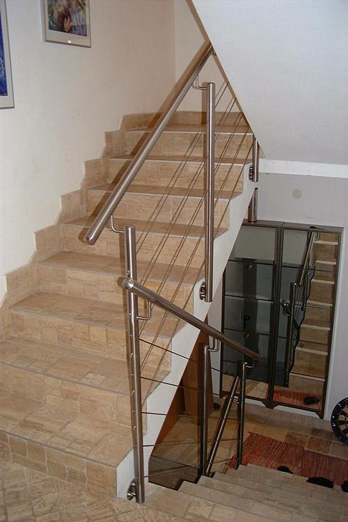 innengel nder mit seil edelstahl gel nder treppen. Black Bedroom Furniture Sets. Home Design Ideas